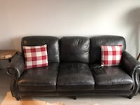 LEATHER COUCH -- FOR SALE -- - $400 (Washington, DC) WASHINGTON