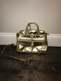 Just fab purse // gold 376 mi