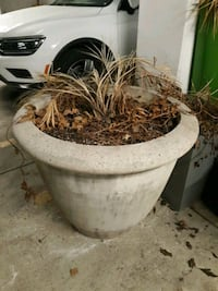 8 large Landscaping planters Chevy Chase, 20815
