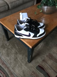 2009 Air Force 1 purple black and white Pickering, L1X 2S7