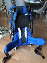 This super lightweight baby carrier makes an ideal gift for the sport if young mom and dad out there.    Rosemère, J6Z 4V8