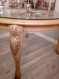 Circle glass top table w/4 chairs Las Vegas, 89121