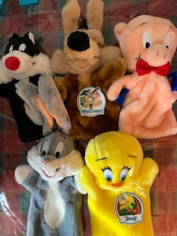 Set of looney tune plush puppets Toronto, M1P 2P9