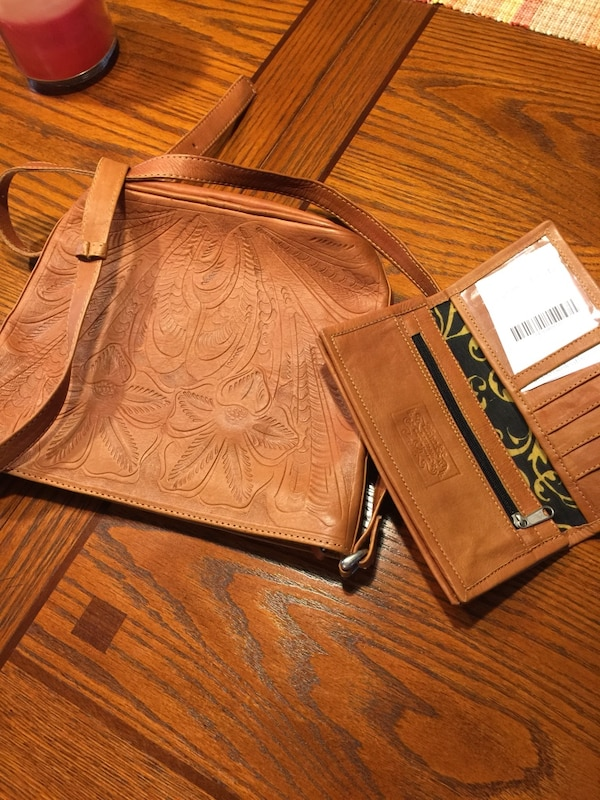 a9a79d38c453 Used NWT!!! Beautifully handcrafted JL Saldivar leather purse AND wallet!!!  Excellent craftsmanship!! Very RARE!! Paid  340.00 for sale in Knoxville -  letgo