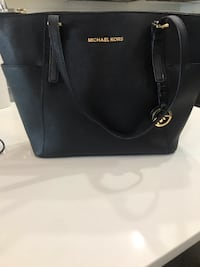 Black Michael Kors Purse Surrey, V4A 6E7