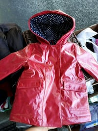Gap cute girl rain coat Vancouver, V5M 4C3