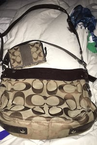 Guc authentic coach purse and matching wallet Aldergrove, V4W 3L6