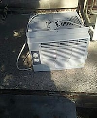 Air conditioner g e brand new in great shape 60.00 Lincoln Park, 48146