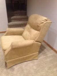 Recliner chair Downers Grove, 60516