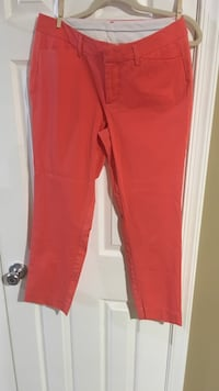Size 8 crop pants Harpers Ferry, 25425