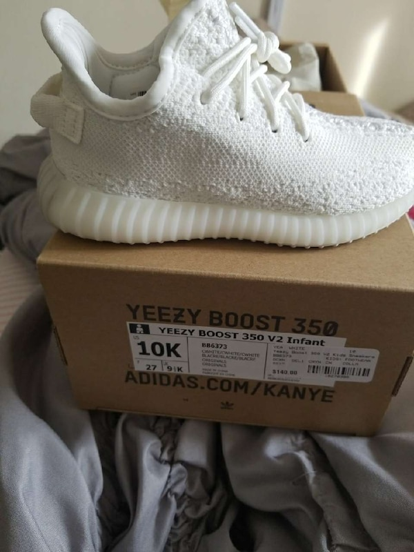 62ddd1709 Used white Unpaired Yeezy boost 350 v2 infant for sale in New York - letgo