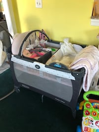 New Graco playpen and changing table. Rockville, 20850
