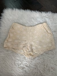 Forever 21 floral shorts small Waterloo, N2T 1Z9