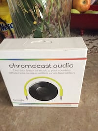 Google Chromecast audio. Los Angeles, 91331