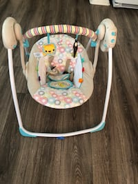 baby's white and gray swing chair Fallbrook, 92028