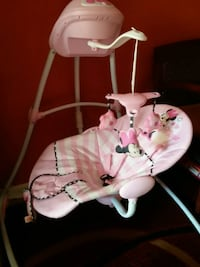 baby's white and pink cradle n swing Hyattsville, 20785
