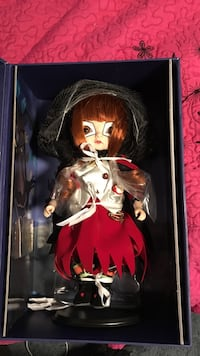 brown haired female doll Los Angeles, 91331