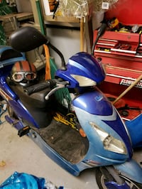 blue and black motor scooter London, N6E 2A5