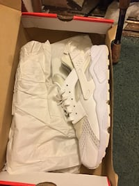 Hurraches Size 11  Worn Once  Germantown, 20874