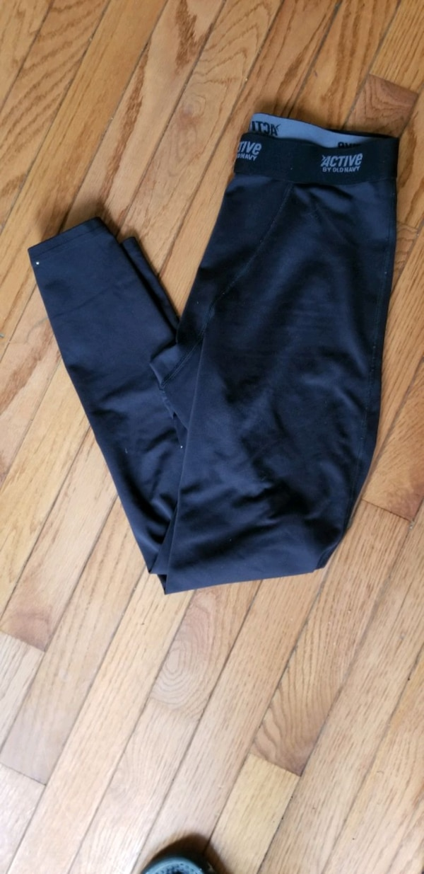 Old navy active leggings  f570d978-4004-4dd1-912a-df34000df7a4