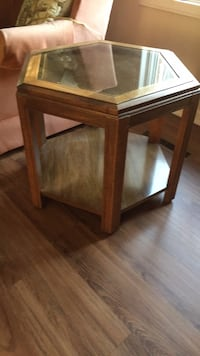 end table Washington, 20024