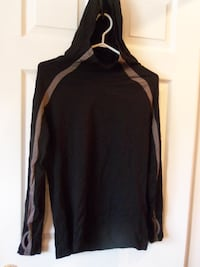 size large hooded active shirt $3.00 Central Okanagan