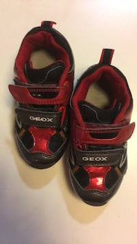 Toddler sneakers - size 25 Barcelona, 08003