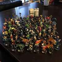 121 marvel and dc Heroclix W/ cards Milton