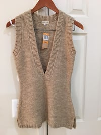 Brand New Sweater Juniors Size Small Fairfax, 22033