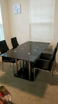 4 seater glass dining table Herndon, 20171
