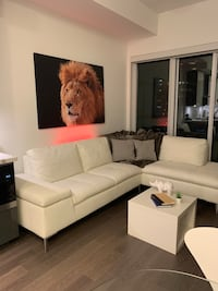 New Leather Couch *perfect condition* Toronto, M8V 0C7