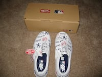 Vans New York Yankees Classic Slip on Shoes Toronto