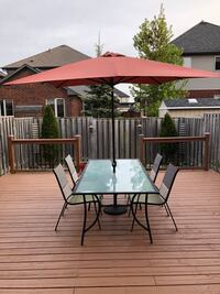 Outdoor Patio Table w/umbrella