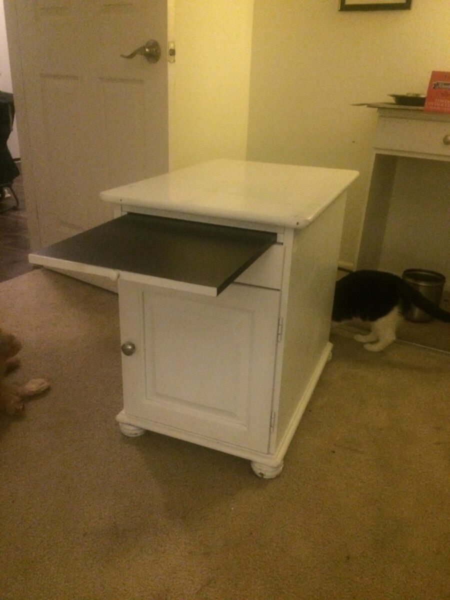 Used end table night stand in huntington beach for Table stand i 52 compose