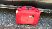red and black plastic container Langley, V1M