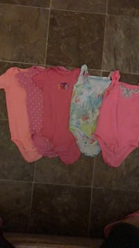 Toddler's three assorted onesies 24M Appleton, 54911