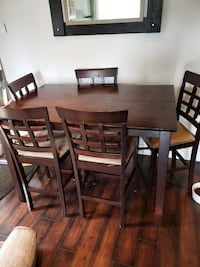 Dining table. Langley City