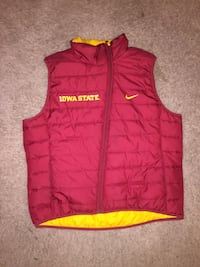 red and yellow Nike Iowa State gilet Ames, 50014