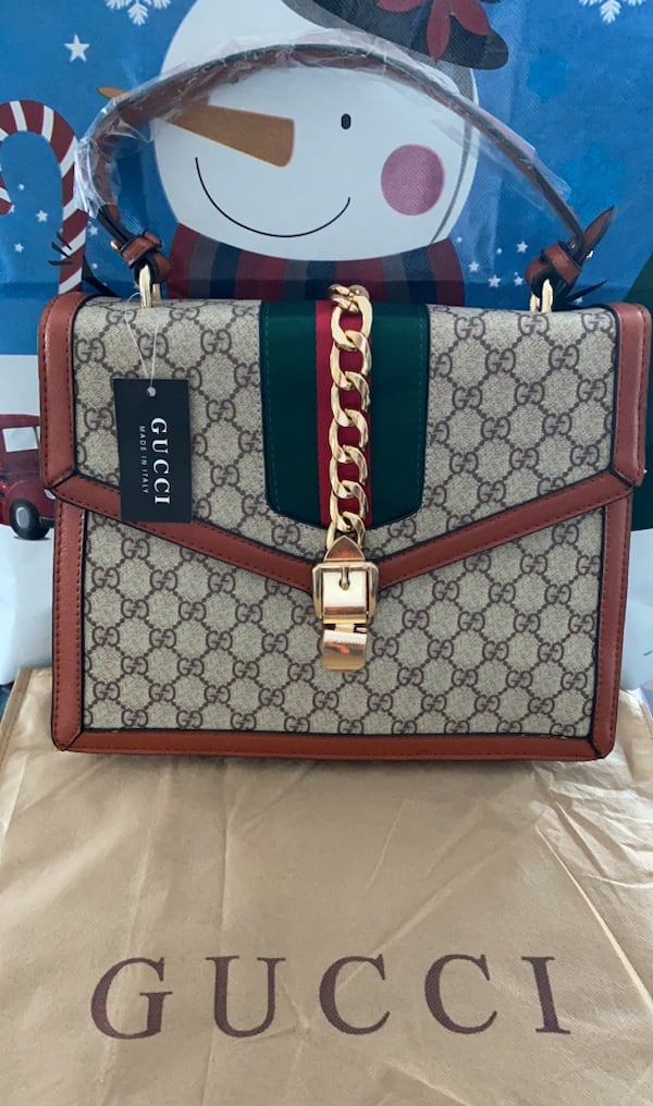 Brown Gucci Chain Bag 92ebbf23-bee9-4854-a8ed-7a7dcc8aac36