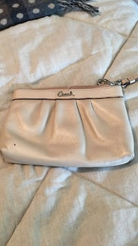white Coach leather wristlet Eatontown, 07724