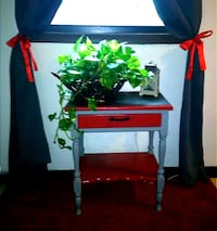 Grey and red wooden table Bloomington, 61704