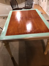 Dining room table Frederick, 21704