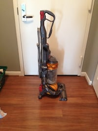 black and red upright vacuum cleaner Alexandria, 22304