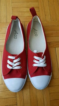 New red sneakers. Size 38 Toronto, M2L 2W2