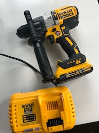 DCD996 Dewalt 3 speed Hammer Drill new Paterson, 07513