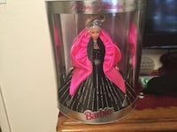 Barbie doll in pink and black dress Gilbert, 85233