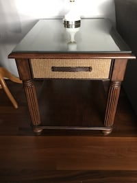 Brown end table Poulsbo, 98370