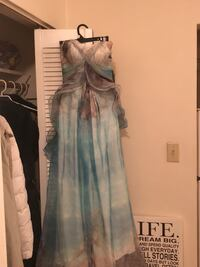 Never worn prom dress New Westminster, V3M 1Y3