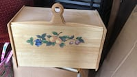 brown wooden floral painted breadbox Ijamsville, 21754