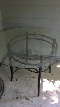 round glass top table with four chairs Eugene, 97402